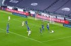 Ra mắt sát cánh cùng Ronaldo, 'măng non' vung chân thành bàn 'cực ngọt'