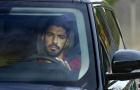 Suarez dọn sạch đồ đạc, đẫm lệ trong ngày chia tay Barca