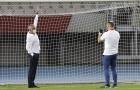 Tottenham thắng trận, Mourinho lại 'gây bão' với một hình ảnh