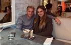 Van de Beek mặn nồng bên bạn gái làm 1 chuyện tại Manchester