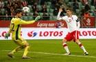 'Nghệ sĩ' Lewandowski biến ảo khó lường, khiến Italia mất ngôi đầu bảng