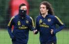 'Thật rắc rối khi huấn luyện cầu thủ Arsenal đó, cậu ta làm tôi bực mình'
