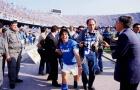Huyền thoại? Không, Diego Maradona là 'thánh bảo hộ' của Napoli!