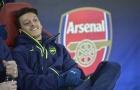 Oezil không ra đi, Arsenal khốn đốn
