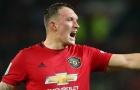 Sao Man Utd lập siêu phẩm, fan phũ phàng: 'Chuyên gia đốt lưới nhà'