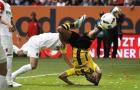 Chùm ảnh: Ngã sấp mặt, Aubameyang vẫn kịp giải cứu Dortmund