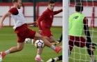 Vắng bóng Mane, Coutinho dễ dàng 'làm loạn' sân tập Liverpool