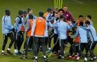 Sao Man City chia phe 'tẩn nhau' trước thềm Champions League