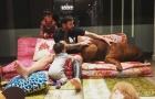 Messi chơi đùa cùng chó khổng lồ