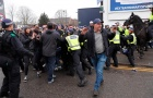 Bạo lực bùng phát trước trận đại thắng của Tottenham