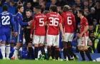 Bắt 4 trận, trọng tài Michael Oliver phạt M.U 3 quả phạt đền, 1 thẻ đỏ