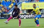 Tại sao Neymar lập hat-trick với một bên áo dài tay?