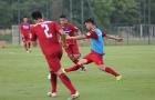Công Phượng bị sao U20 Việt Nam 'đè' ngã sấp trên sân