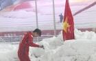 Duy Mạnh lên tiếng về hành động cắm cờ tổ quốc ở sân Thường Châu