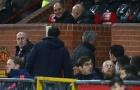 Mourinho chỉ đạo các học trò từ 1 vị trí bí mật tại Old Trafford