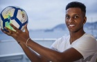 'Tôi đặt ảnh anh ấy làm hình nền điện thoại và giờ tôi được chơi bóng cùng anh ấy'
