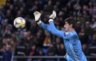 Tiếp tục để lọt lưới, Courtois lập kỷ lục làm BLĐ Real 'té ngửa'