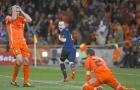 Iniesta và cú dứt điểm 'kết liễu' giấc mơ của người Hà Lan