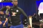 Antonio Rudiger 'quẩy' tung phòng thay đồ mừng ngôi vô địch của Chelsea
