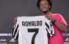 Cuadrado 'ngoan ngoãn' dâng áo số 7 cho Ronaldo