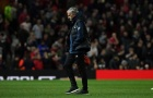 Thắng Pogba, thua Derby, Mourinho giờ 'trăm mối tơ vò'