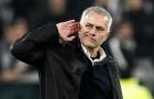 Vì một cái tên, Mourinho bị cầu thủ và đội ngũ trợ lý chất vấn