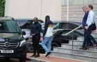 Hoàn tất! Đoàn tùy tùng dẫn Wan-Bissaka đến khách sạn Lowry kiểm tra y tế
