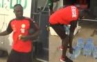 Hành động ấm áp của Sadio Mane khi về hội quân cùng đội tuyển