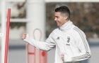 Ronaldo làm gì khi không tham dự gala Ballon d'Or?