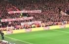 Fan Bayern khiến khán giả Anfield đồng loạt đứng dậy vỗ tay