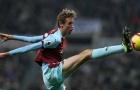 CHÍNH THỨC: 'Quý ngài 2 mét' Premier League tuyên bố giải nghệ