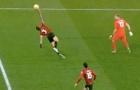 Đây là pha 'cản phá' hy hữu nhất lịch sử Premier League?