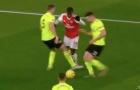 Arsenal đã mất oan quả penalty trước Sheffield?