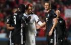 Các sao MU thay phiên dỗ dành thủ môn trẻ Svilar