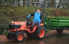 Chờ Man United rước quá lâu, Sanchez đổi nghề cắt cỏ
