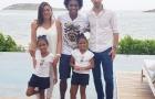 Bỏ mặc Barca và Man United, sao Brazil đi du hí bên vợ yêu