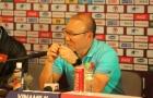 HLV Park Hang-seo tố HLV thủ môn ĐT Thái Lan cố tình chơi đòn tâm lý