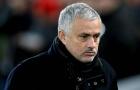 Với một quyết định, thượng tầng MU đã định sẵn tương lai cho Mourinho