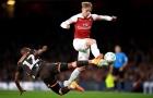 Arsenal đang giết chết 'tiểu Bergkamp' của chính mình