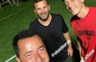 Trở lại Thổ Nhĩ Kỳ, Ozil gặp mặt và selfie cùng 2 'nhân vật lớn'