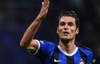 Inter tống tiễn 2 ngôi sao đón 'chiến binh thép' của Barca