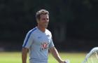 Huyền thoại Zola chính thức trở lại Chelsea, 'trợ lực' cho tân HLV Sarri