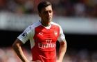 'Arsenal không thể giành được các danh hiệu là vì Ozil'