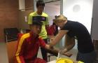 Cận cảnh bữa ăn và bài kiểm tra y tế U20 Việt Nam tại Dusseldorf (Đức)