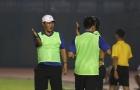 HLV Trần Minh Chiến và cảm xúc của người mới đánh bại đội bóng cũ