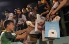 Bùi Tiến Dũng: 'Thủ môn quốc dân' dự bị 90 phút, fan vẫn trao trọn niềm tin