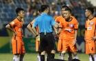Nguyên nhân cầu thủ SHB Đà Nẵng phản ứng trọng tài trên sân Hòa Xuân