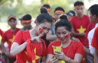 Mỹ nữ Việt 'hiên ngang' đọ sắc trên đất Lào