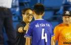'Vi hành' sân Gò Đậu, trợ lý HLV Park Hang-seo hỏi thăm Anh Đức, động viên Tấn Tài