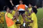 Khoảnh khắc lung linh thầy trò Mai Xuân Hợp vào chung kết U17 Quốc gia